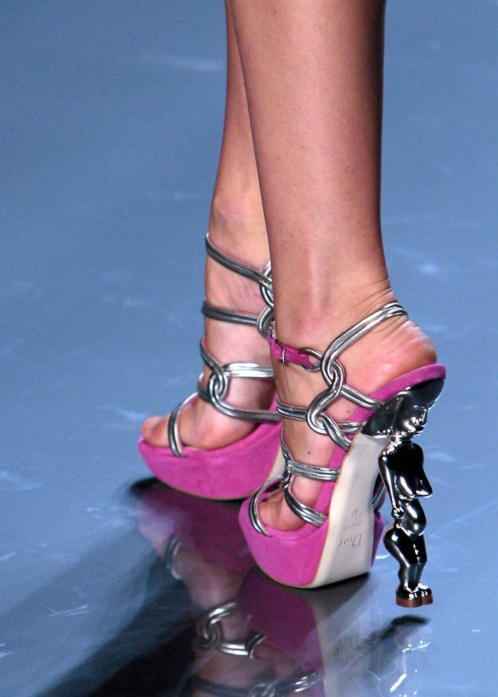 ysl 2 spring 2009 shoes ysl 2 spring 2009 shoes - Moda sandali donna, collezione Moschino estate 2009
