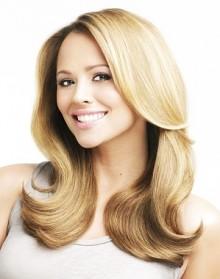 acconciature capelli biondi mossi lunghi