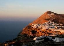 Isola di Folegandros al tramonto Isola di Folegandros al tramonto 220x160 - Idee vacanze Grecia: isola Folegandros tra natura e relax