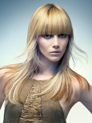 capelli scalati, capelli corti mossi: Tagli capelli lunghi ...