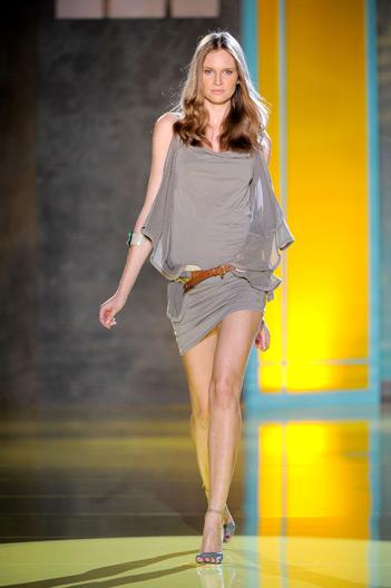 Collezione abbigliamento Patrizia Pepe primavera estate 2011  7ed054fc767