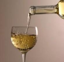 Vini bianchi da abbinare col pesce Vini bianchi da abbinare col pesce 220x213 - Vini bianchi del nord Italia da abbinare col pesce