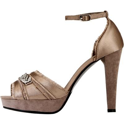 Sandalo con fibbia plateau e cinturino alla caviglia Yamamay estate 2011