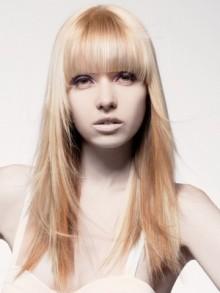 Taglio capelli lunghi scaltai con frangia 2011