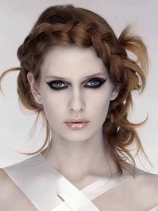 Treccia capelli 2011 Treccia capelli 2011 - Acconciature capelli 2011: trecce, code di cavallo e twist