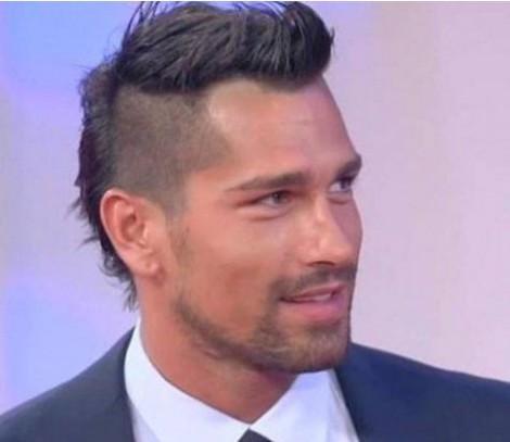 Tagli capelli uomo 2011 la tendenza dei calciatori come Borriello