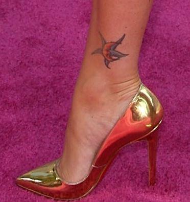 Tatuaggi sul piede tattoo design bild for Immagini tatuaggi piede
