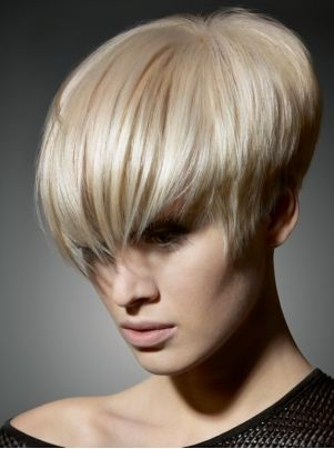 Tagli capelli corti inverno 2012: scalati, asimmetrici e ...