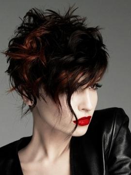 Taglio capelli medi bicolore