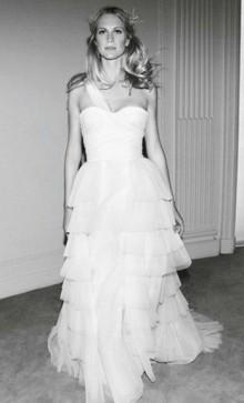 Collezione abiti da sposa 2012 Alberta Ferretti Forever Collezione abiti da sposa 2012 Alberta Ferretti Forever 220x363 - Abiti da sposa 2012 collezione Alberta Ferretti Forever