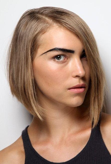 Taglio di capelli spalle