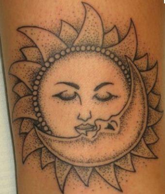 Tatuaggi sole, luna e stelle: immagini e significato