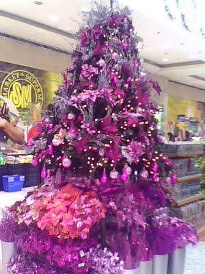 Albero di Natale 2012 con decorazioni viola