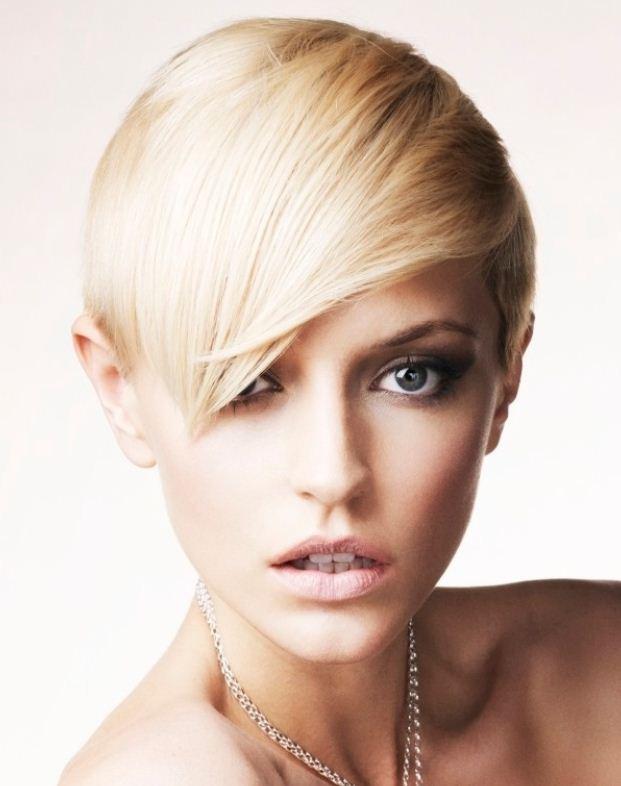 Foto Tagli capelli corti donna 2013