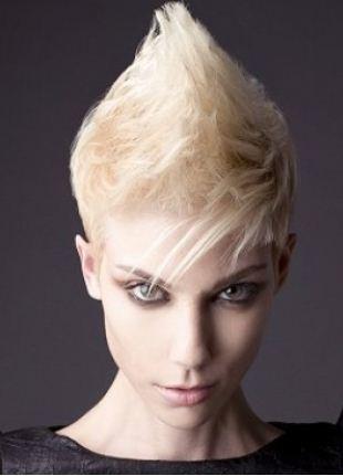 Tagli capelli corti donna primavera estate 2013