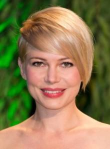 Nuovo taglio di capelli corti asimmetrico 2013 Michelle Williams