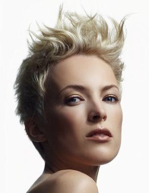 Tagli capelli corti asimmetrici 2013