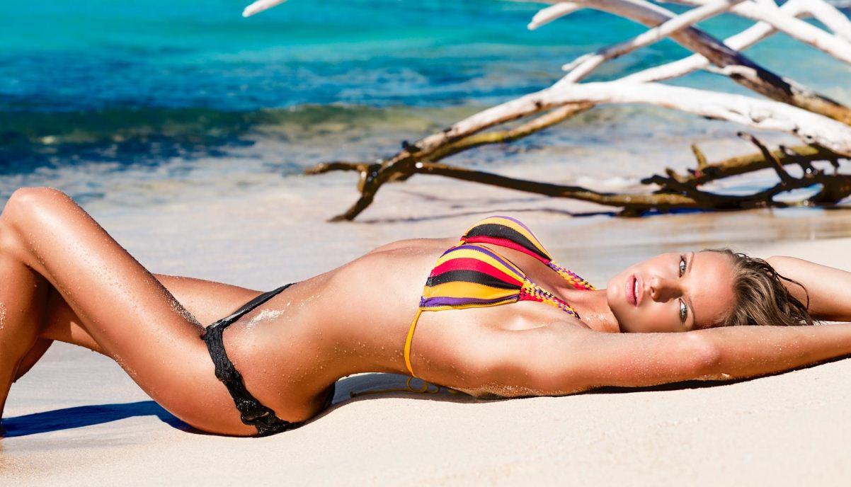 Bikini con reggiseno a triangolo e slip Yamamay estate 2013