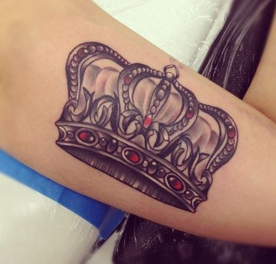 Foto tatuaggio corona reale the house of blog for King s fish house corona