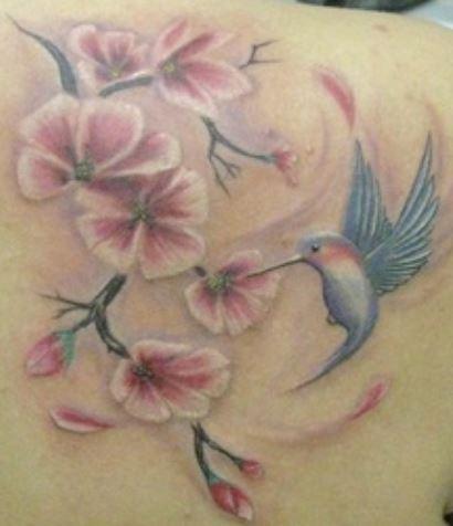 Tatuaggio fiori di ciliegio significato e immagini the for Disegni fiori per tatuaggi