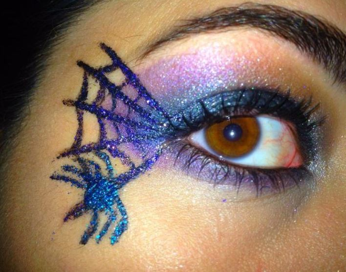 Facile idea di trucco occhi per Halloween