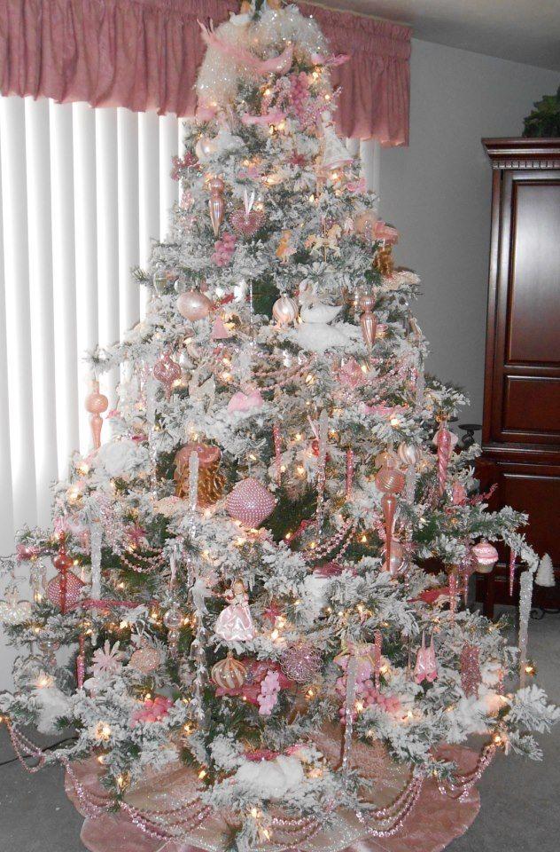 Albero di natale 2013 con decorazioni bianche e rosa the house of blog - Decorazioni bianche ...