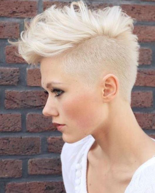 Foto taglio capelli corti rasati