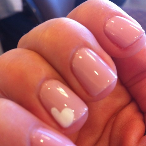 Immagine decorazione unghie per San Valentino Immagine decorazione unghie per San Valentino 470x470 - Idee Decorazioni Unghie San Valentino: Immagini Nail Art
