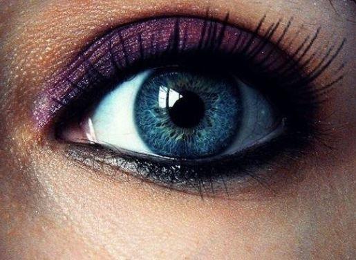 Truccare gli occhi azzurri con ombretto viola e bronzo Truccare gli occhi azzurri con ombretto viola e bronzo - Come truccare gli occhi azzurri: Foto gallery Make up Truccare gli occhi azzurri con ombretto viola e bronzo - Come truccare gli occhi azzurri: Foto gallery Make up