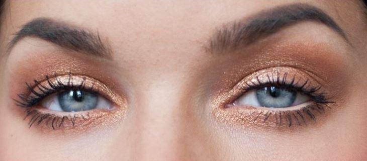 spesso Truccare occhi azzzurri con ombretto color rame dorato - The house  OL98