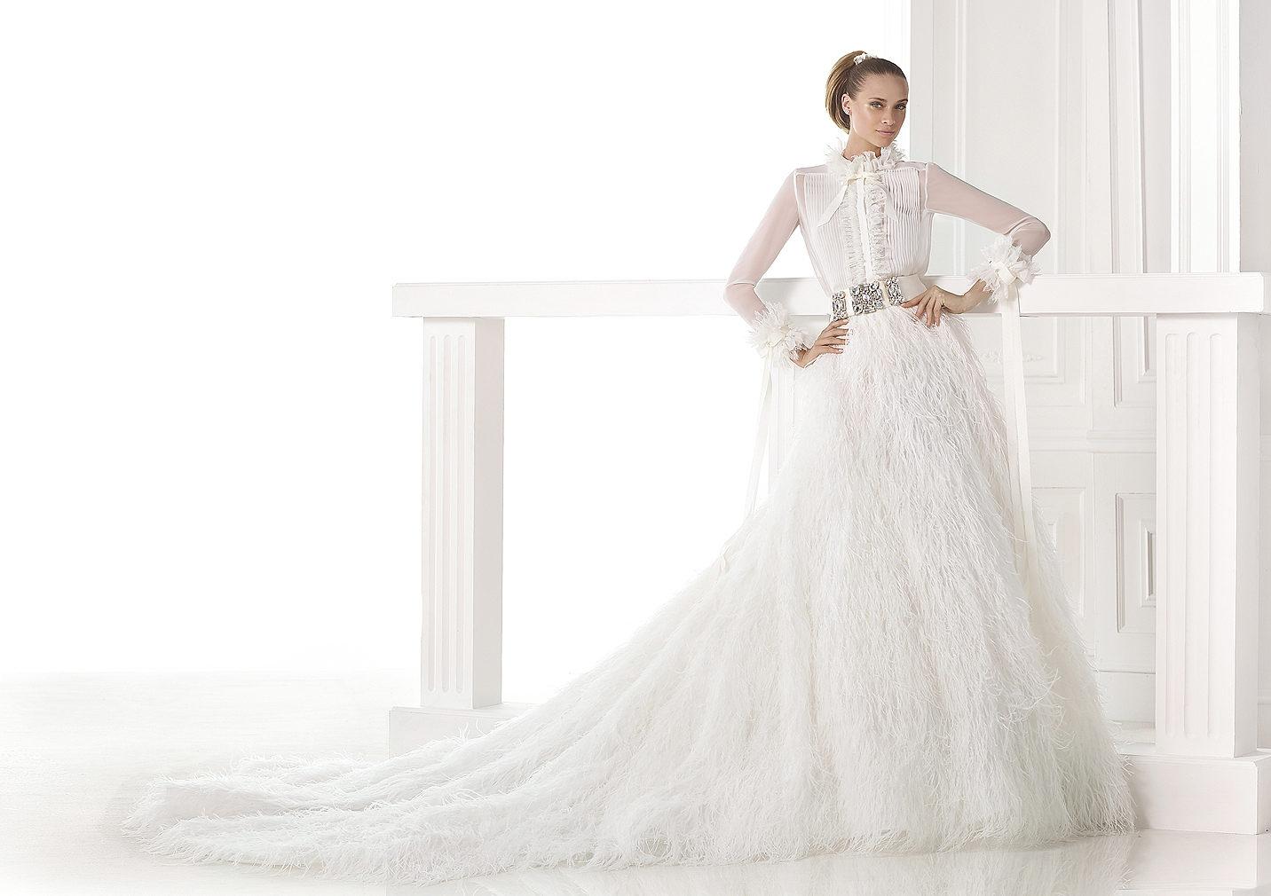 Abito da sposa maniche lunghe pronovias 2015 mod carmit for Falda significato