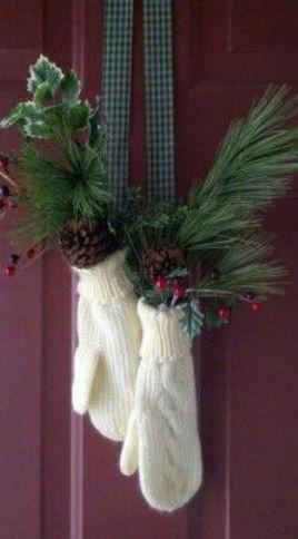 Originale Addobbo natalizio per porta Originale Addobbo natalizio per porta - Idee Ghirlande Natalizie Fatte a mano