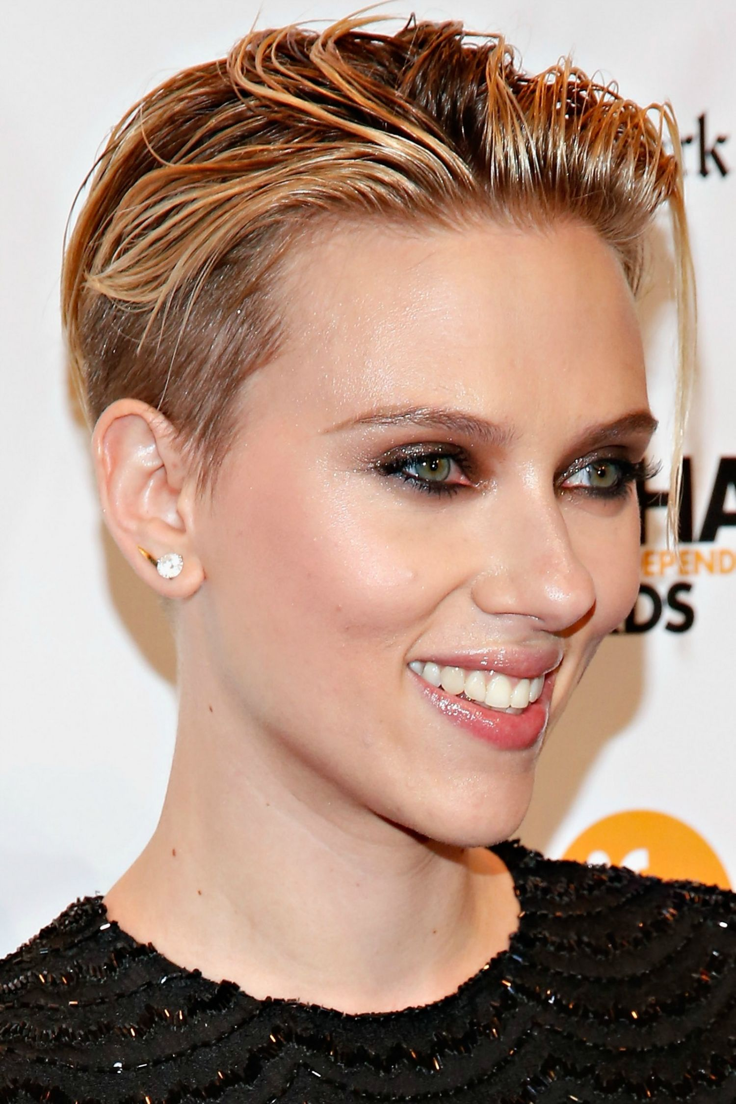 Taglio capelli corti Scarlett Johansson 2015 - Taglio-capelli-corti-Scarlett-Johansson-2015