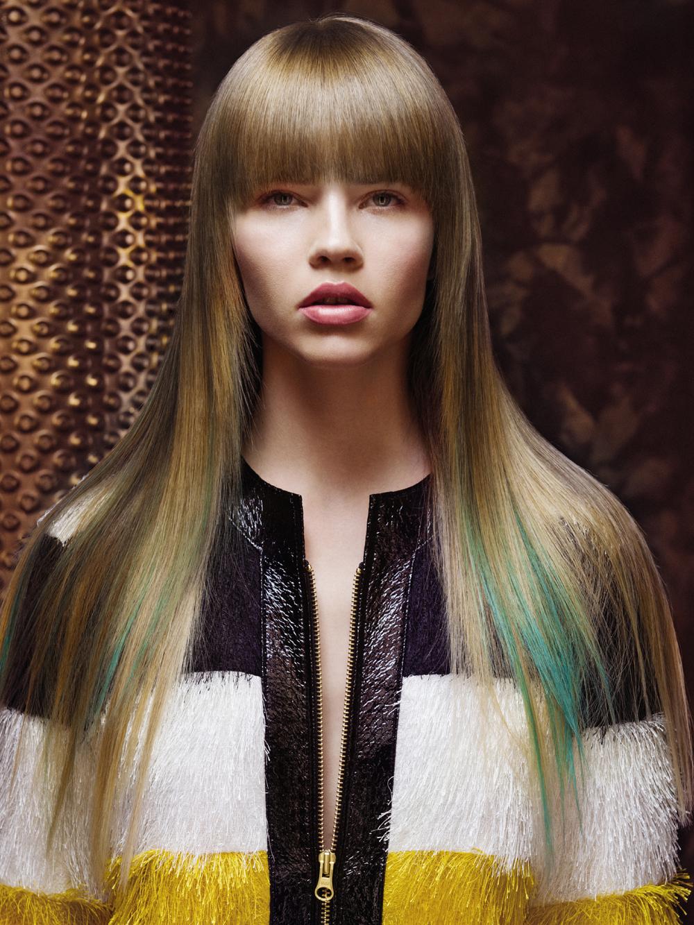 Taglio capelli lunghi lisci con frangia inverno 2016