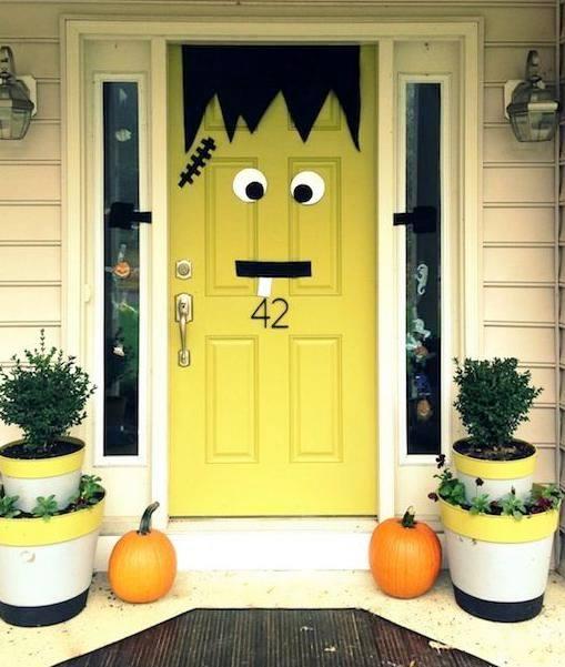 Addobbo porta spaventosa per Halloween