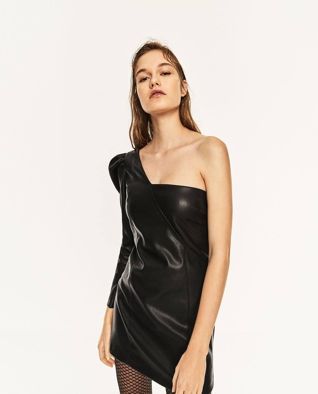 Abito in ecopelle monospalla Zara prezzo 39 95 euro