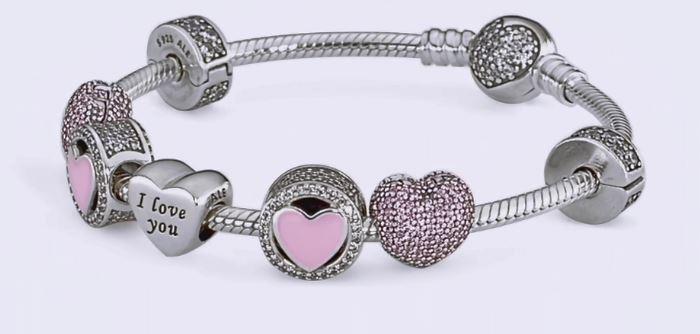 Bracciale con charms Pandora San Valentino