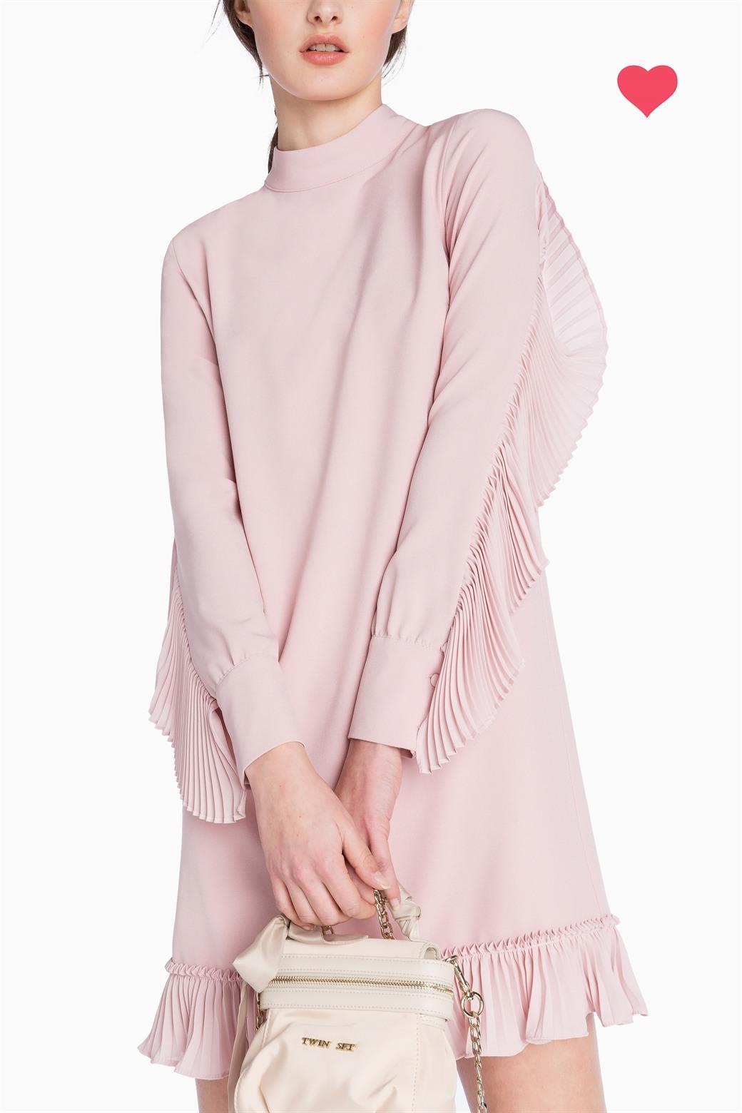 a27c4f6e53 Abito con dettagli plisse Twin Set Simona Barbieri primavera estate 2017  prezzo 235 euro Abito con. Delizioso abito in pizzo macramè rosa ...