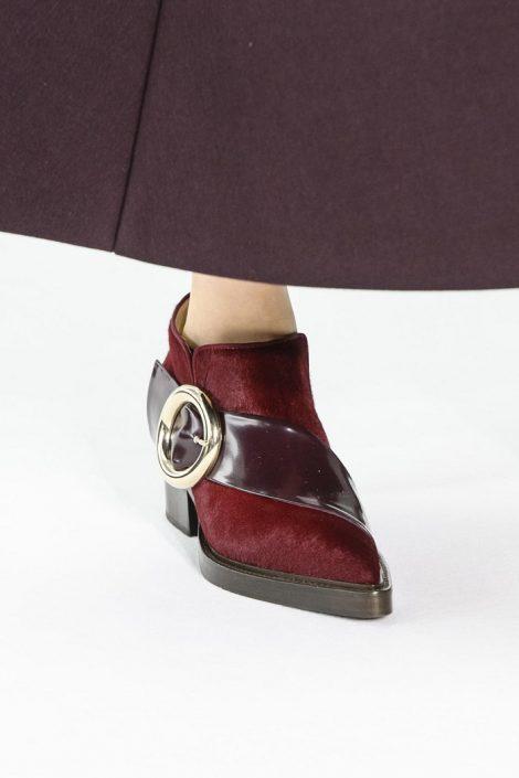 Ankle Boots stivali alla caviglia tendenza Moda inverno 2017 2018 Ankle Boots stivali alla caviglia tendenza Moda inverno 2017 2018 470x705 - 15 Tendenze Moda SCARPE e STIVALI Inverno 2017 2018