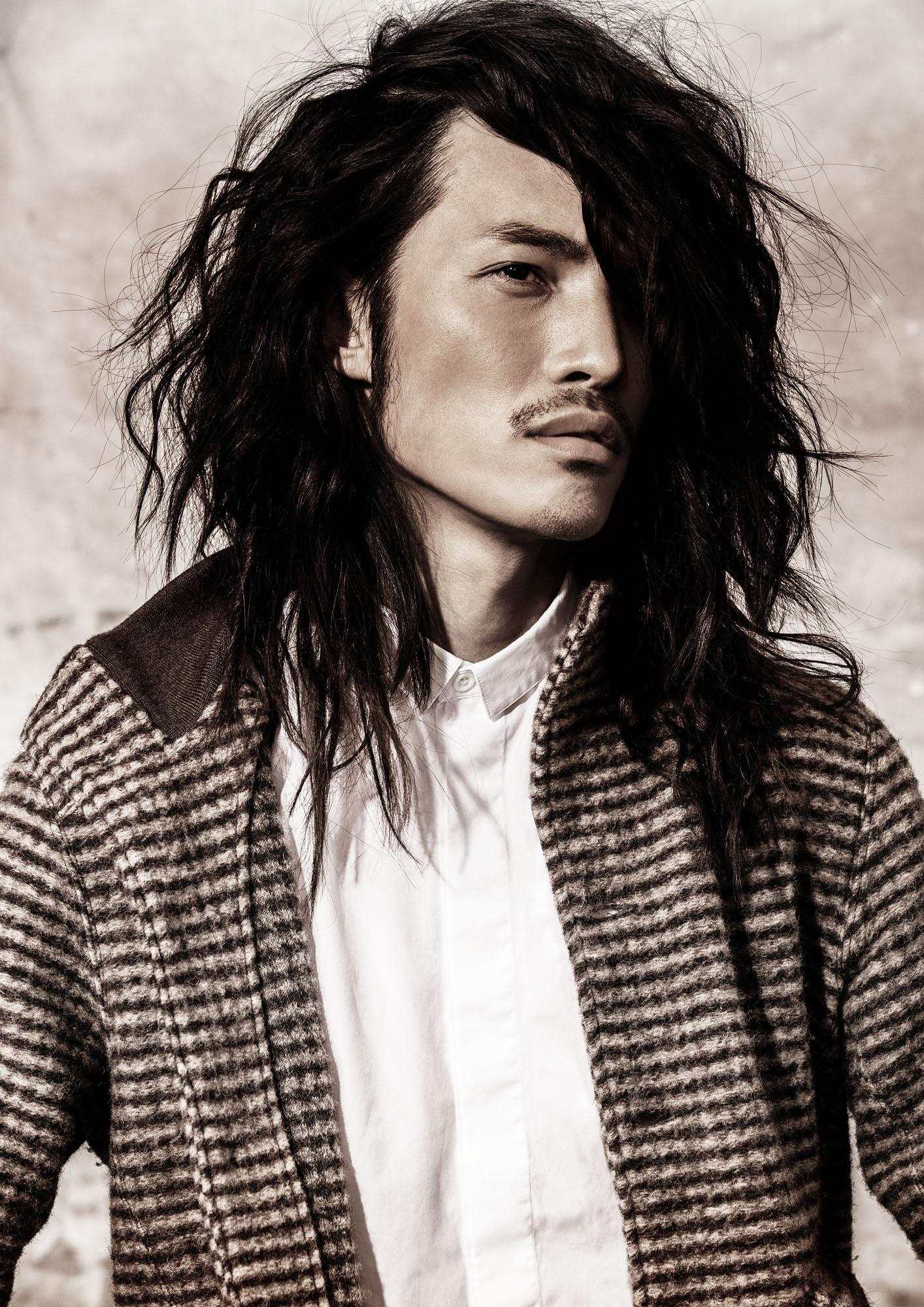 Foto taglio capelli lunghi uomo