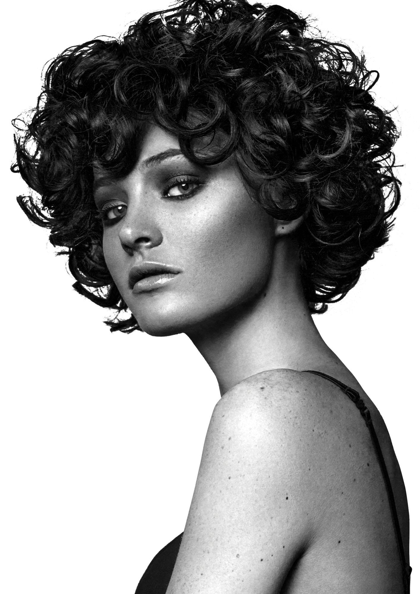 Taglio capelli corti ricci 2019 donne