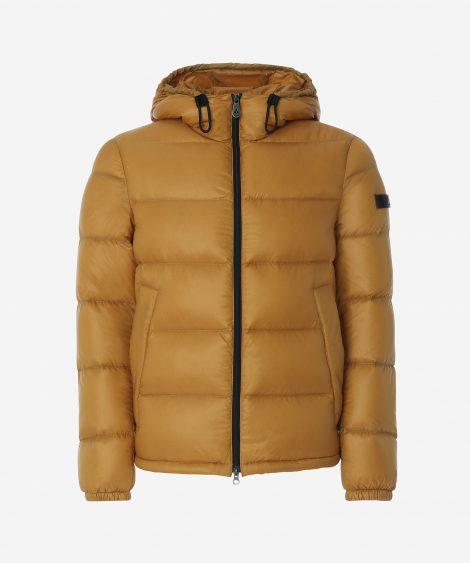Piumino corto Peuterey uomo inverno 2018 prezzo 299 euro Piumino corto Peuterey uomo inverno 2018 prezzo 299 euro 470x563 - Peuterey Piumini e Parka Uomo Inverno 2018