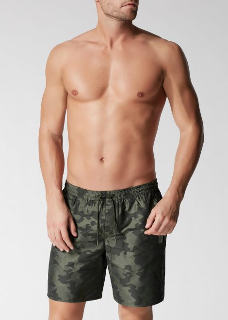 Costume uomo Calzedonia boxer lungo modello Miami Camouflage estate 2018 Costume uomo Calzedonia boxer lungo modello Miami Camouflage estate 2018 470x658 - Costumi Uomo Calzedonia 2018