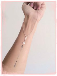 Significato e Foto Tatuaggio Freccia Significato e Foto Tatuaggio Freccia 220x293 - Significato e Foto Tatuaggio FRECCIA