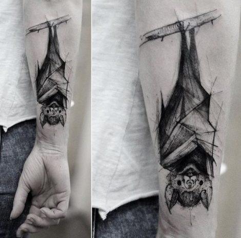 Foto Tatuaggio pipistrello sul braccio Foto Tatuaggio pipistrello sul braccio 470x464 - Tatuaggi con Pipistrello: Significato e Immagini