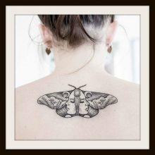 Significato e Immagini Tatuaggio Falena e Sfinge Testa di Morto