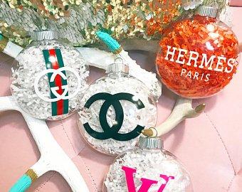 Palline albero di Natale con loghi - Albero di Natale 2018: Colori e Tendenze