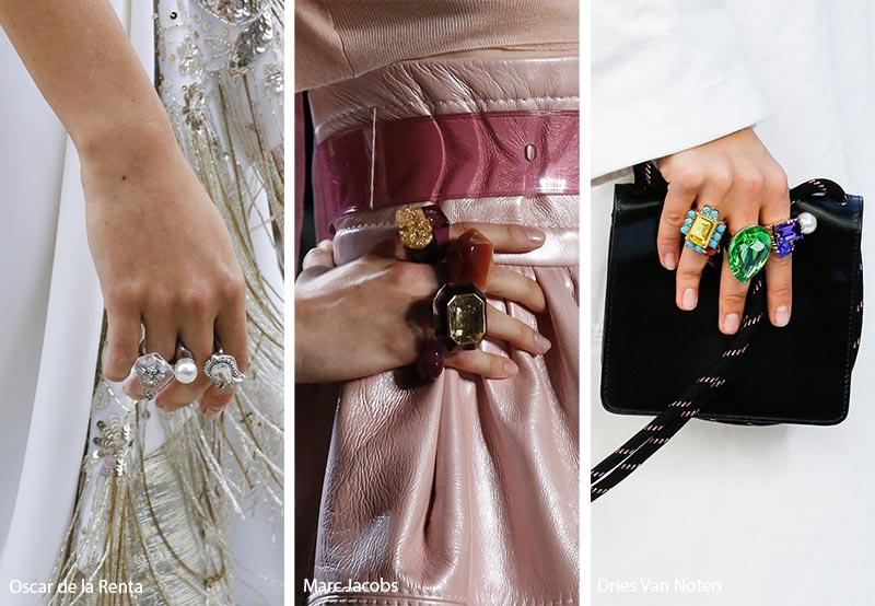 Tendenza gioielli primavera estate 2019 anelli multipli di grandi dimensioni