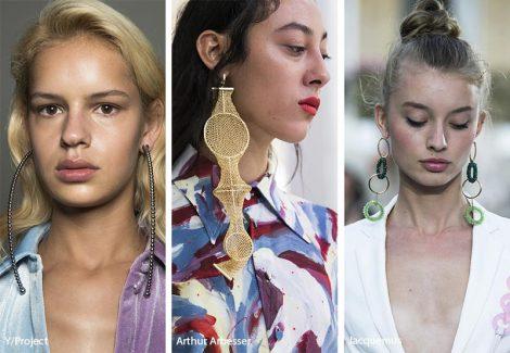 Tendenza gioielli primavera estate 2019 orecchini con pendenti lunghi 470x325 - 20 Tendenze Gioielli e Accessori Primavera Estate 2019