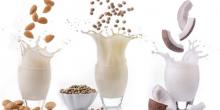 latte vegetale 220x110 - Sane e naturalmente buone: le bevande vegetali
